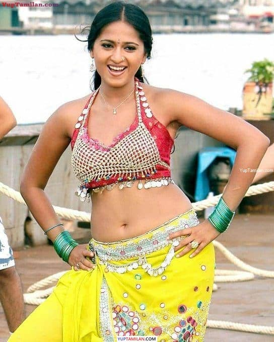 Anushka Shetty Navel Show
