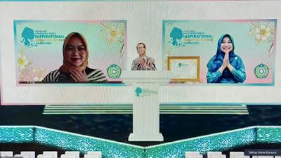Bunda Niken Terima Penghargaan Indonesia Most Inspirational Regional Women Award 2021