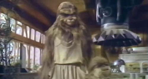 star-wars-holiday-special-malla-lumpy-wookiee