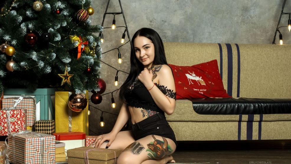 EmilyChocolate Model GlamourCams