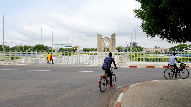 The most important monument in Lome is the Monument de l'independence