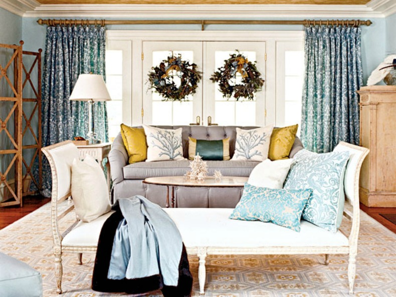 Coastal Decorating Ideas For Living Rooms: Inspirations On The Horizon: Coastal Holiday Decor