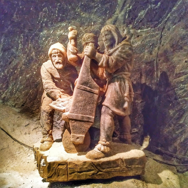 rzeźby z soli w kopalni Bochnia, podziemia, co zobaczyć