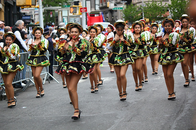 grupo de danza tradicional boliviana Caporales de San Simon New York