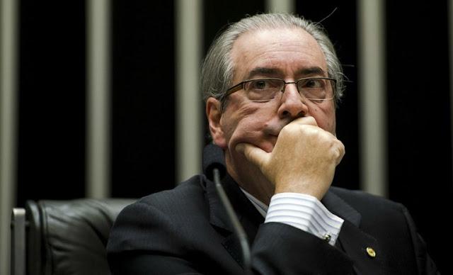 Cunha está prestes a ser traído... MichellHilton.com