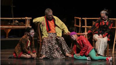 Ciri-Ciri Teks Drama | Materi Bahasa Indonesia Kelas 8 Revisi Terbaru
