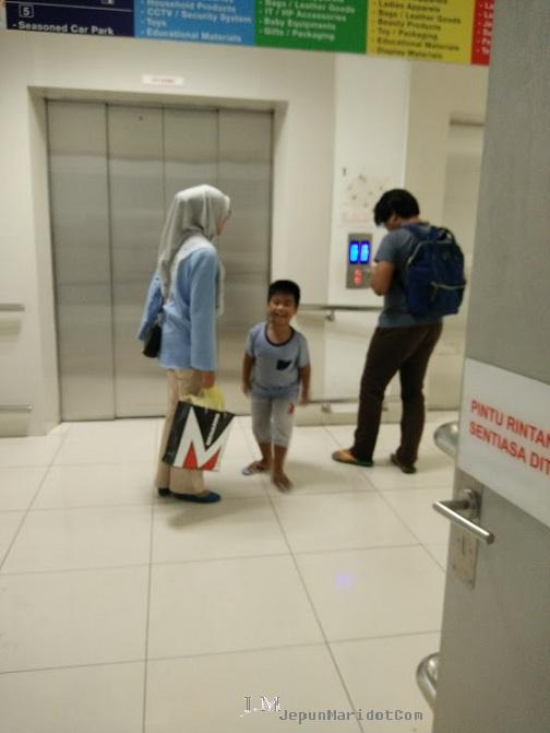 Ultraman penyelamat GM Klang