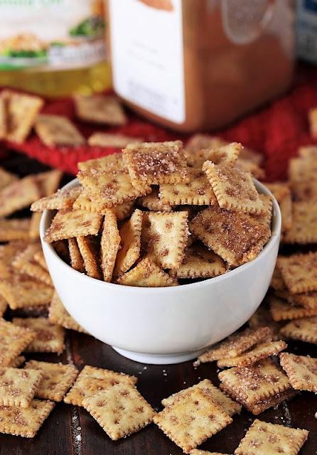 Cinnamon Sugar Crackers Made with Saltines Minis Image