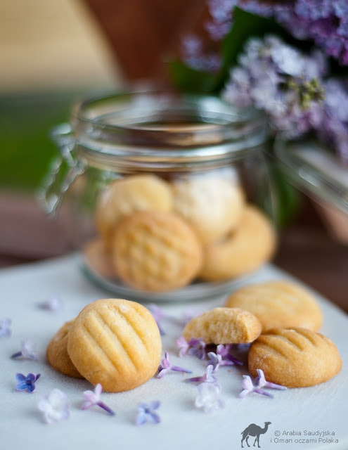 Marcepanowe-ciasteczka-maslane