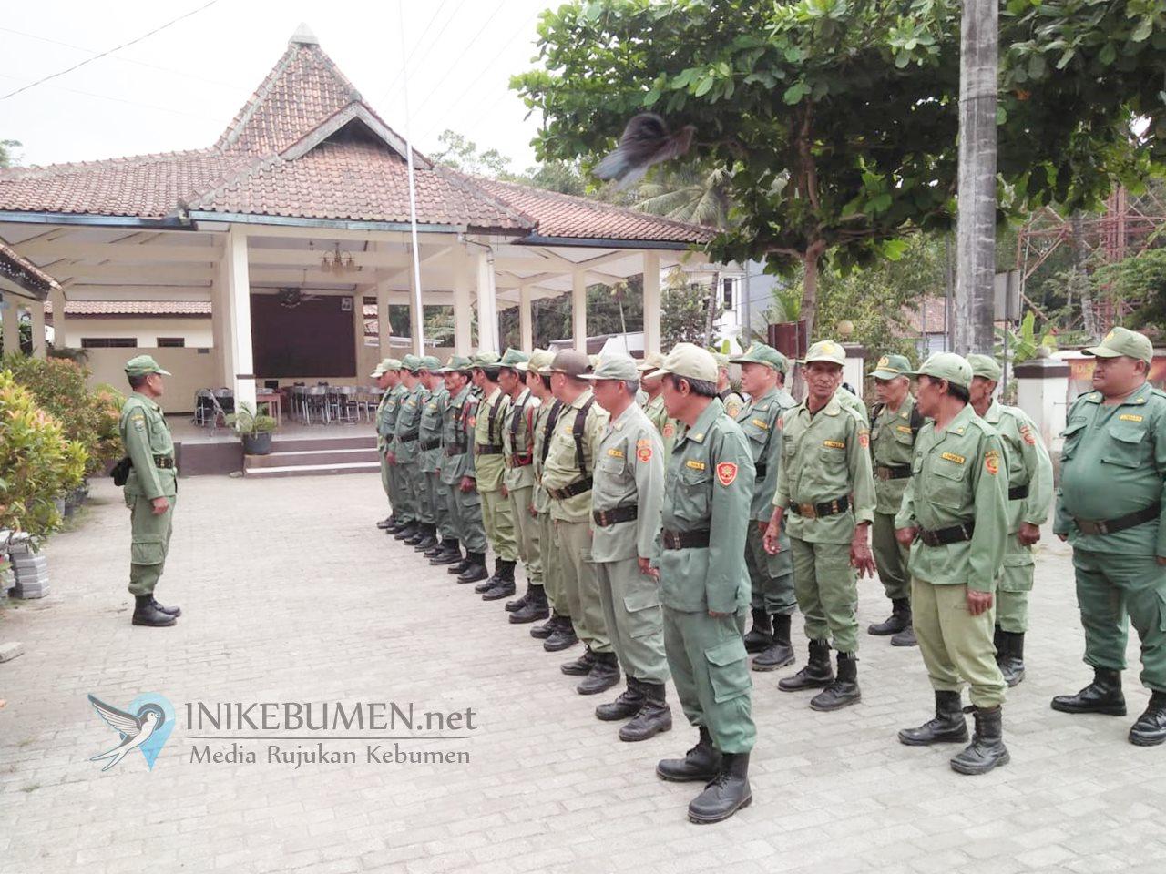 Jelang Pilkades Serentak, 32 Anggota Linmas di Ambal Digembleng