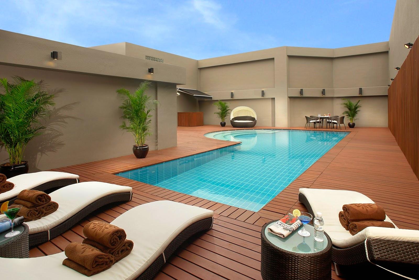 Multinotas dise os modernos de piscinas enterradas for Normativa de diseno de piscinas