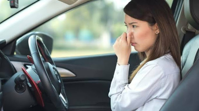 Cara Sederhana Menghilangkan Bau Tak Sedap Pada Mobil