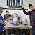 Kehangatan Ganjar Dengan Rakyatnya Terbingkai Dalam Lukisan
