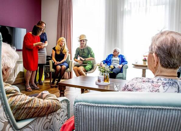 Queen Maxima wore green outfit by Natan Edouard Vermeulen. tanteLouise Vissershaven care home residents