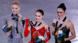 PATINAJE ARTÍSTICO (ISU Grand Prix 2017) - Alina Zagitova con 15 años asume el legado de su compatriota Medvedeva