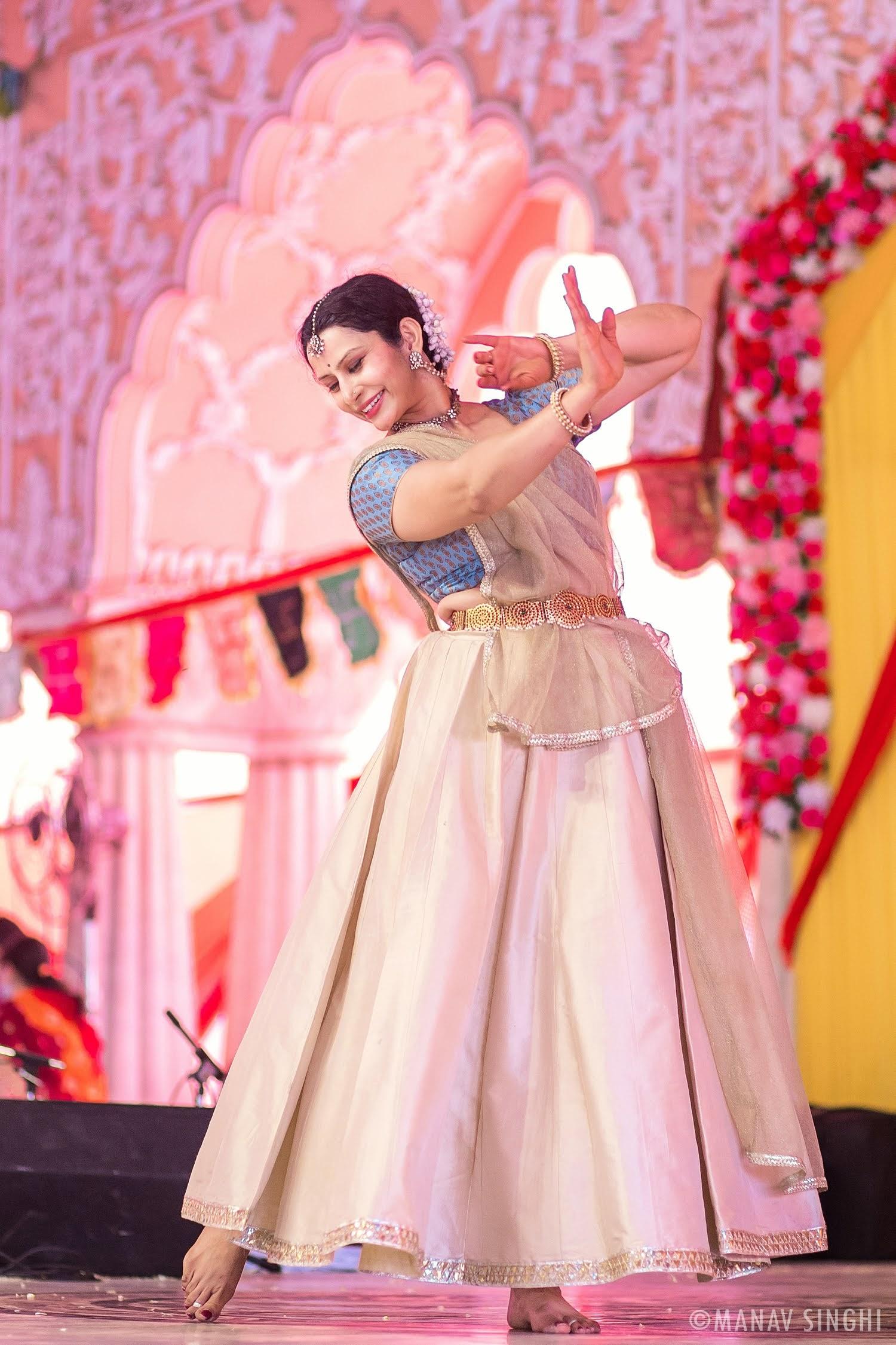 Kathak Guru Manisha Gulyani at Fag Utsav - 2021 Govind DevJi, Jaipur.