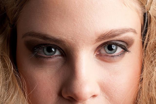 Trucos de maquillaje para tener unos ojos más grandes y pequeños