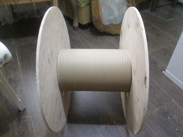 IMG 0123 - שולחן קפה מסליל חוטי חשמל