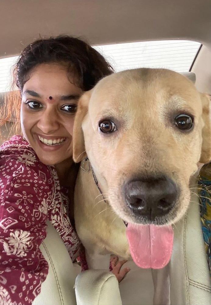 Keerthy Suresh Lovely Smile Celebrating Diwali with her Lovely Family at Home 3