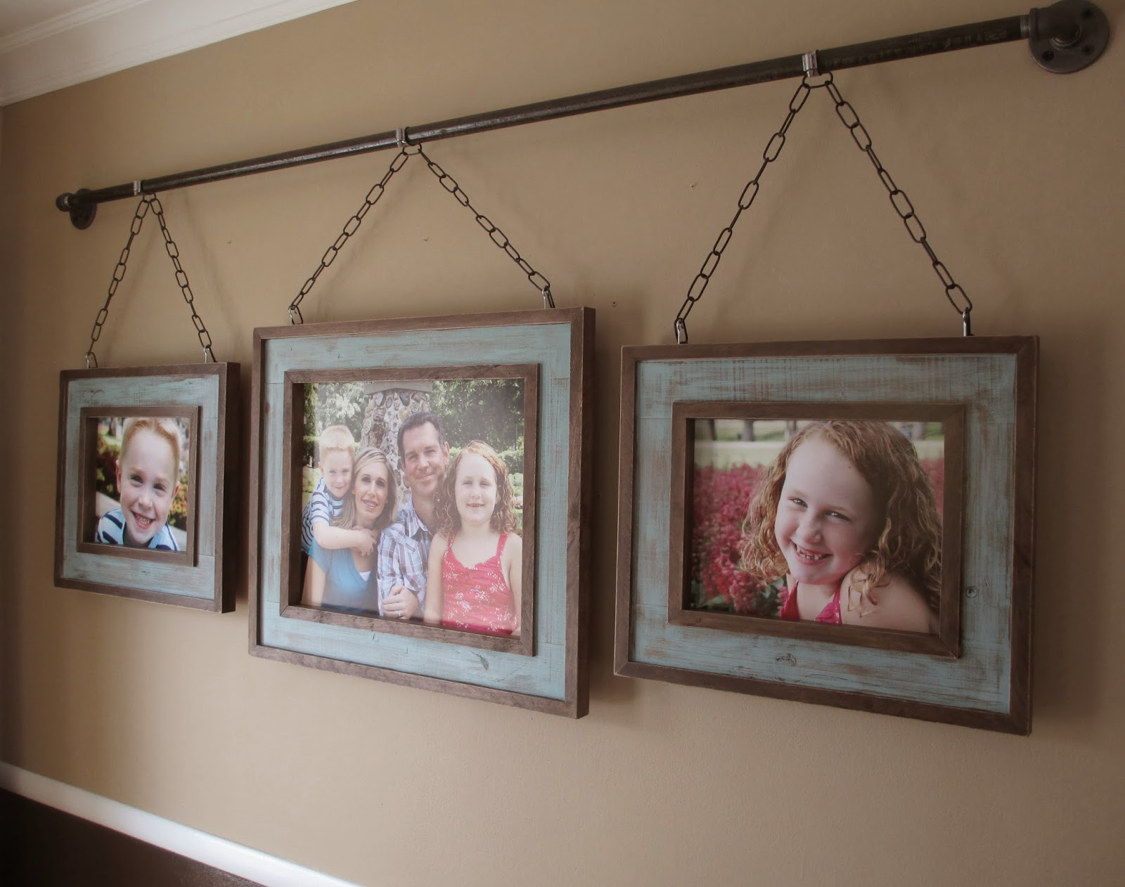 I D Love To Hear Or See Of Any Awesome Ways You Ve Figured Out Hang Family Photos And How Often Do Change Pics