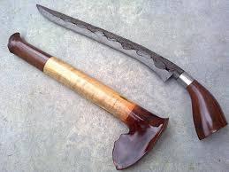 Senjata tradisional klewang