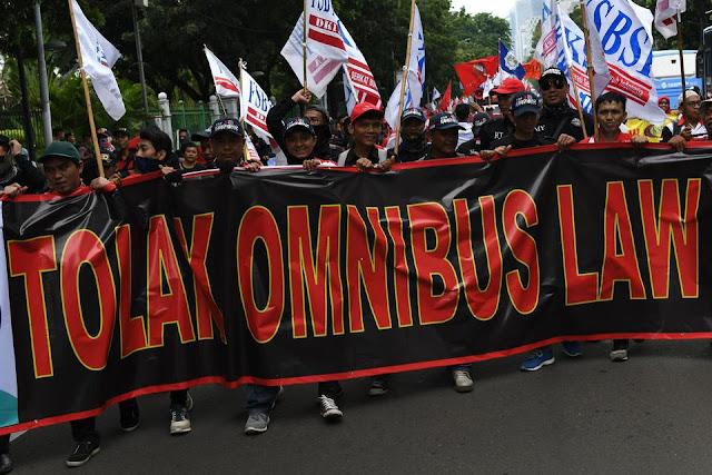 Masyarakat Skeptis Terhadap Omnibus Law Lantaran Tak Percaya Pemerintah