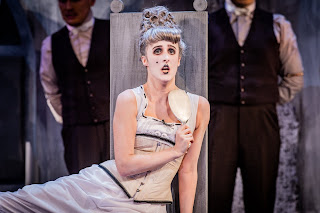 Rossini: La Cenerentola - British Youth Opera (Photo Robert Workman)