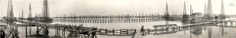 Photo panoramique d'un champ de pétrole au Texas en 1919 par Frank J. Schlueter