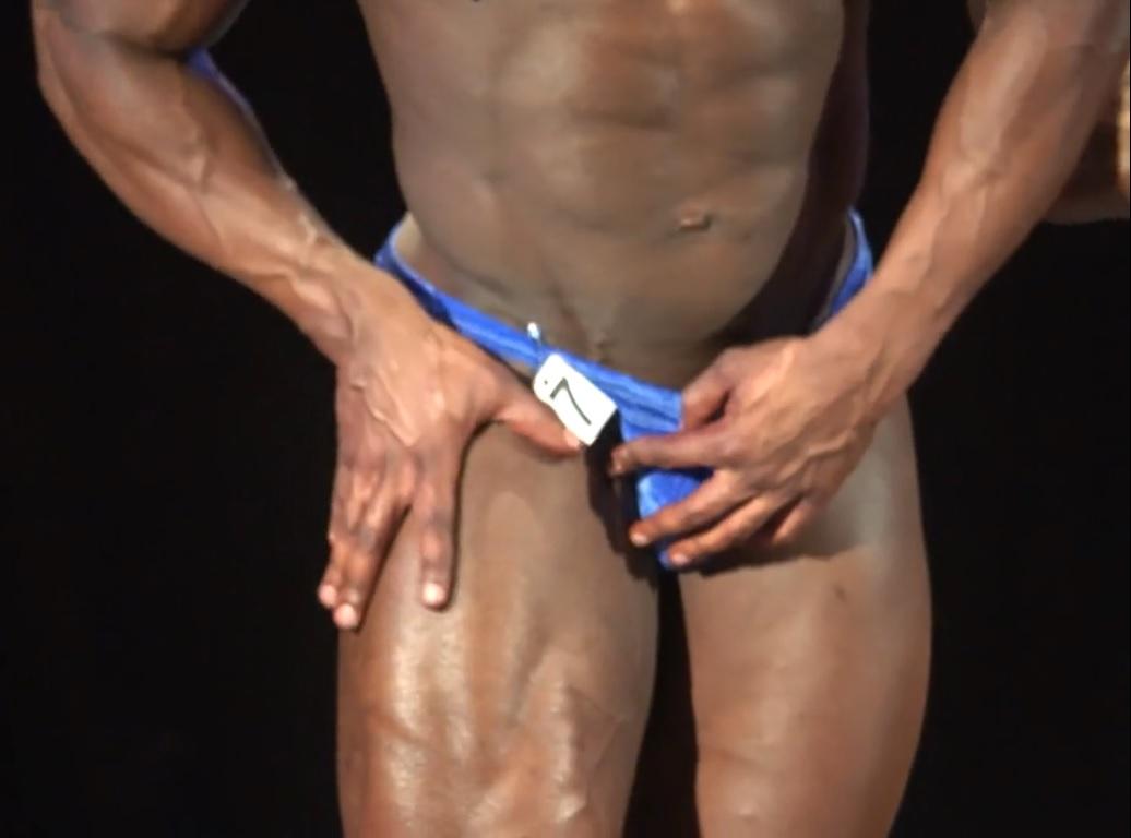 Bodybuilder Accidental Nude On Stage