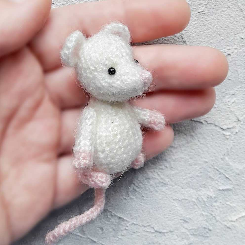 Crochet toy mouse amigurumi