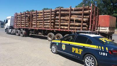 Caminhão com 66,2 toneladas é preso por excesso de peso