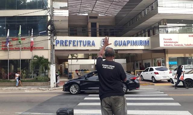 """Pregador de rua é xingado por motorista e responde: """"Deus abençoe sua vida e sua família"""""""