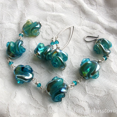 bead bracelet & earrings