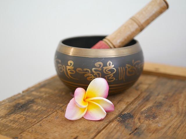 OM (AUM) Mantra With Nature Sound Healing Meditation
