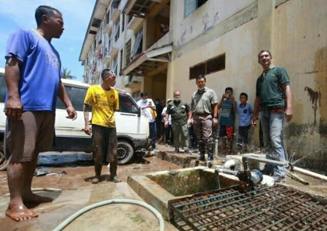 Rycko Terjun Kelokasi Bantu Korban Banjir Bandang di Keteguhan
