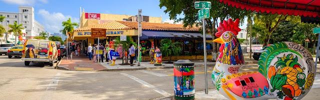 Quartier de Little Havana à Miami avec des restaurants cubains