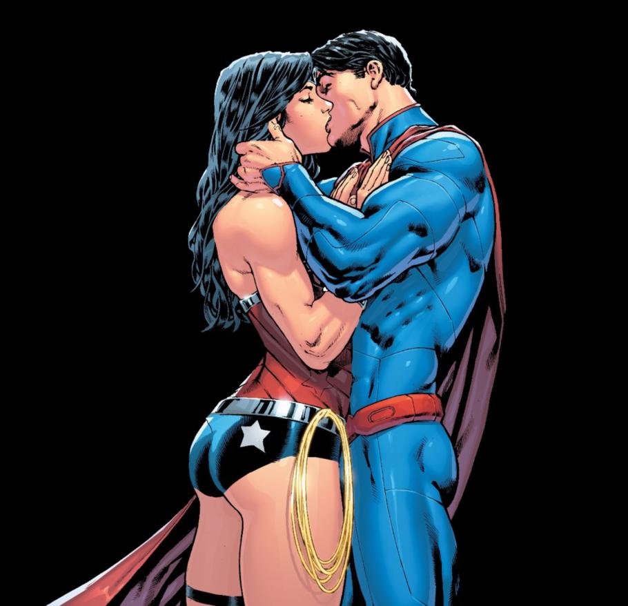 Superman And Wonder Woman Kiss New 52