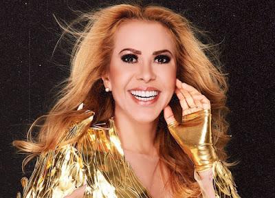 Joelma relembra seus maiores sucessos ao vivo na tela da Band. Foto: Divulgação/Facebook Oficial