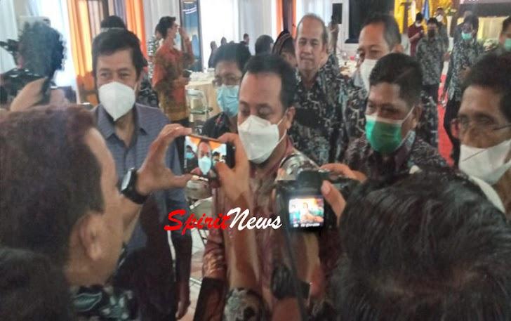 Plt. Gubernur Sudirman, Membuka Rapat Kerja Pengurus PWI Sulsel Priode 2021-2026