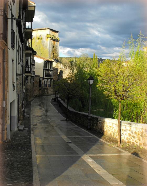imagen_burgos_covarrubias_torreon_doña_urraca_medieval_vistas