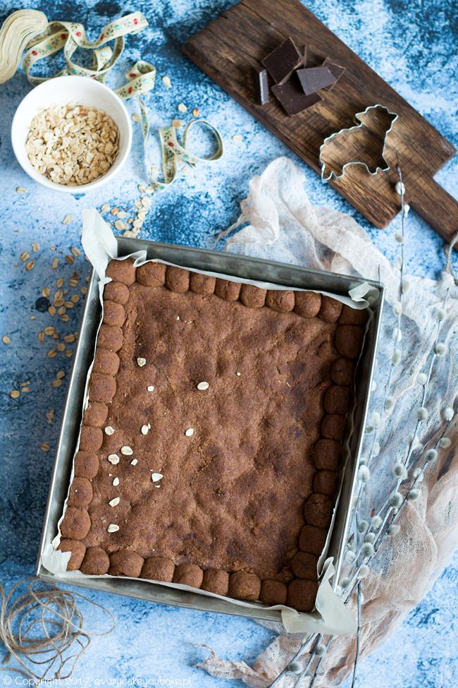 wielkanocny mazurek owsiany na kruchym cieście z czekoladą