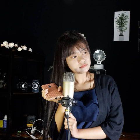 Esa Risty , Penyanyi Dangdut Asal Tulung Agung yang Trending YouTube