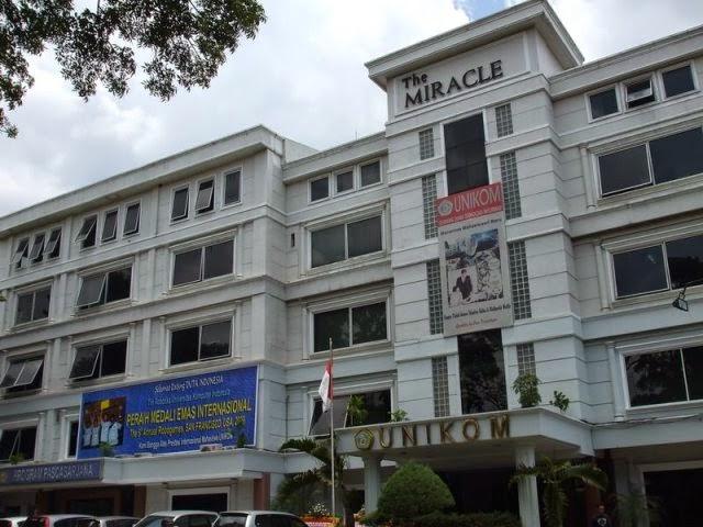 Daftar Universitas Negeri dan Swasta Terbaik di Bandung