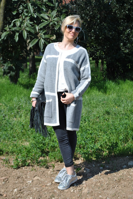 outfit cardigan grigio come abbinare il cardigan grigio abbinamenti cardigan grigio grey cardigan outfit how to wear grey cardigan how to match grey cardigan grey cardigan outfit outfit primaverili spring outfit outfit marzo 2016 march outfit mariafelicia magno fashion blogger color block by felym fashion blogger italiane fashion blog italiani fashion blogger milano blogger italiane blogger italiane di moda blog di moda italiani ragazze bionde blonde hair blondie blonde girl fashion bloggers italy italian fashion bloggers influencer italiane italian influencer