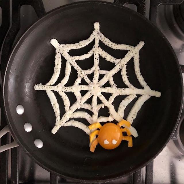 telurnya bentuk sarang laba-laba