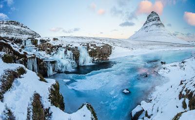Kirkjufell et Kirkjufellsfoss sur la péninsule de Snaefellsnes