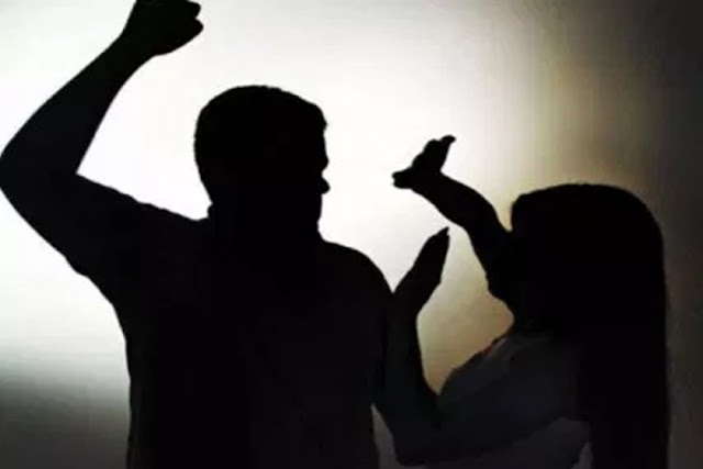 Denunciado 6 vezes e mesmo proibido de chegar perto da ex, homem invade casa dela e a agride na frente dos filhos