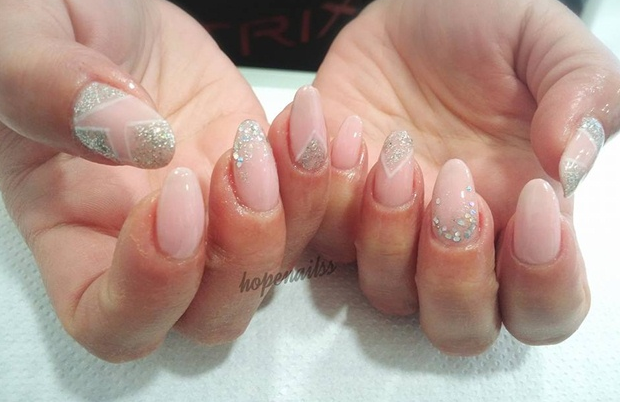 Idea Nails Art Abstract Nude Nail Art With Glitter