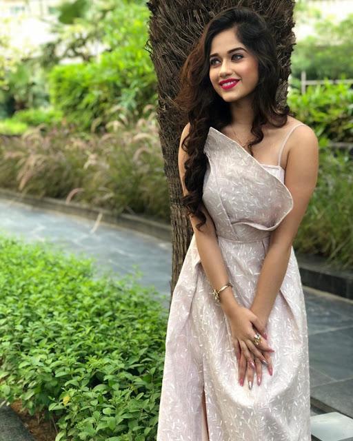 jannat zubair dress images