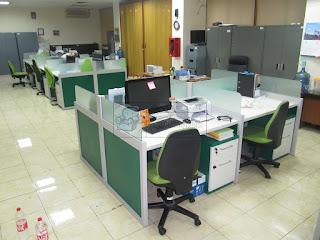 Meja Partisi Kantor Untuk 4 Orang + Furniture Semarang